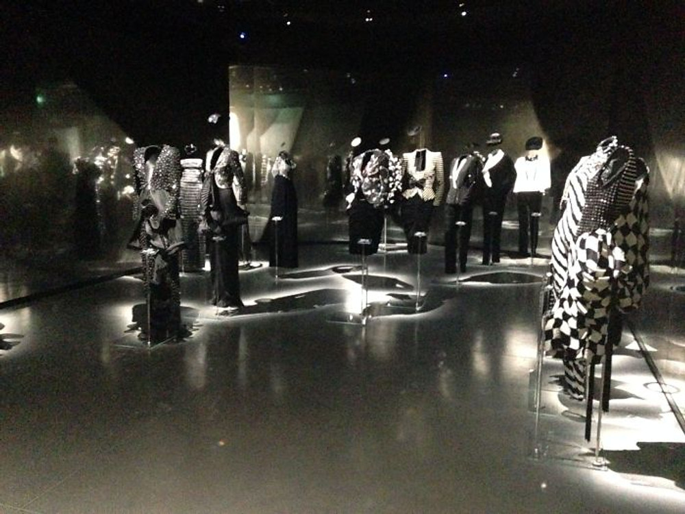 exhibition-armani40-atribute - 107