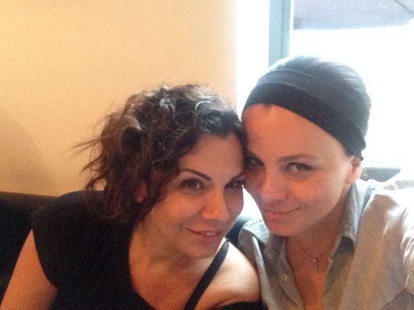 la Raffa e io in fascia nera e chignon