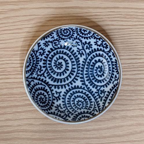 Piattino in ceramica con motivo blu
