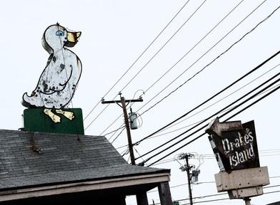 Drake's Island Motel