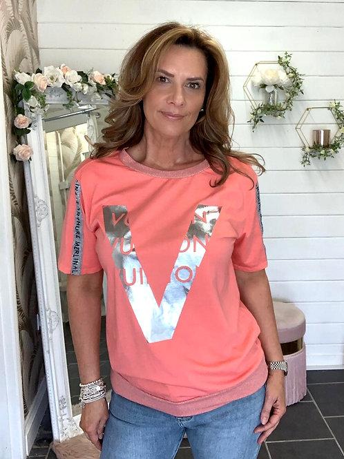 Coral v T-shirt