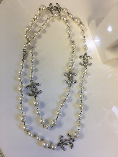 pearl/silver designer inspired necklace