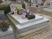 Monument funéraire à rénover
