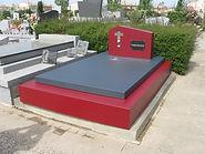 Monument funéraire en couleur