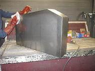 nettoyage stèle avant mise en peinture