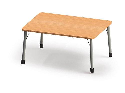 Taisnstūrveida galds ar metāla kājām 123x82cm