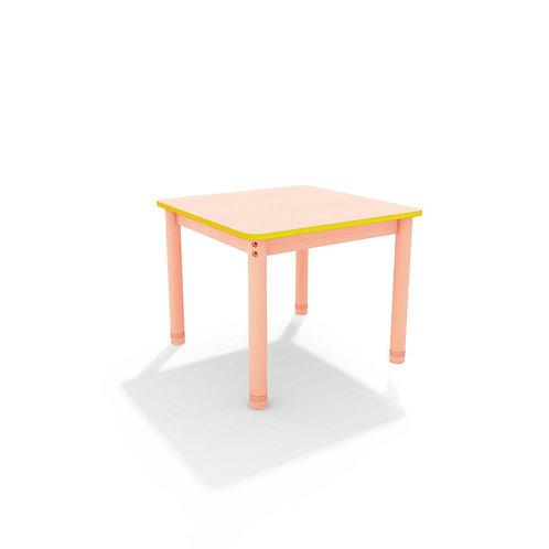 Kvadrātveida galds ar krāsainu malu - 4 krāsas
