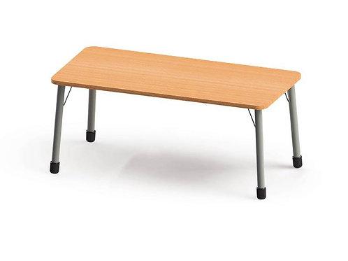Taisnstūrveida galds ar metāla kājām 134x67cm