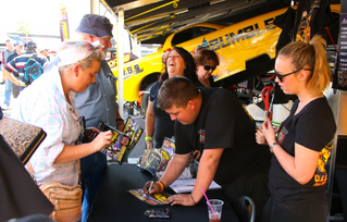 Willowbank all set for massive Aeroflow Outlaw Nitro Funny Car show