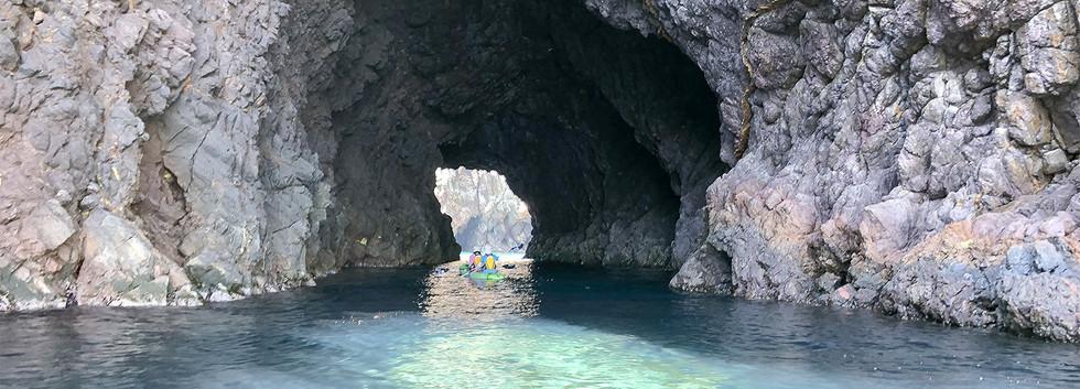 洞窟(大家の湾戸)