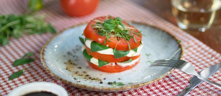 Caprese Salad   Ensalada Caprese