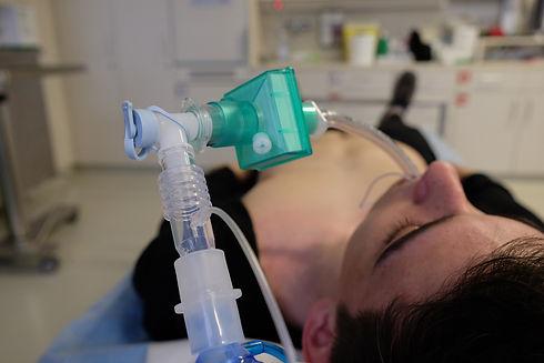 emergency-medicine-3691902_1920.jpg