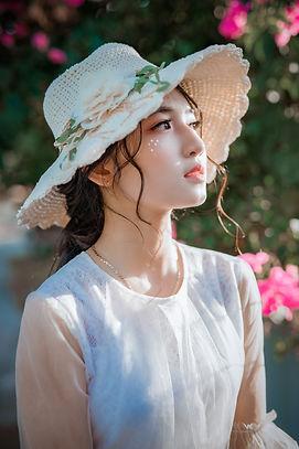 attractive-beautiful-beauty-1382731.jpg