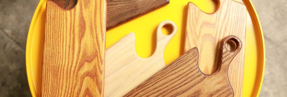 Thớt gỗ hình dao, có tay cầm