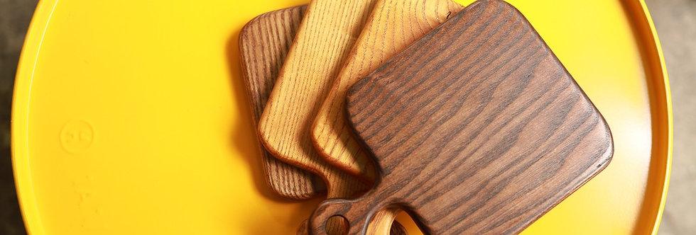 Thớt gỗ vuông, có tay cầm
