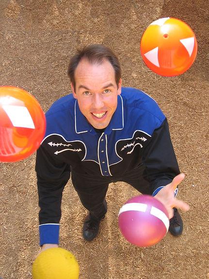 Juggling Jeffrey Daymont school assembly show