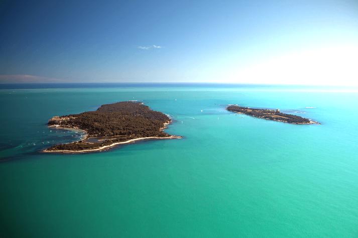 Les îles de lérins au large de Cannes