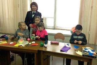 Участие в мастер-классе по изготовлению новогодних игрушек