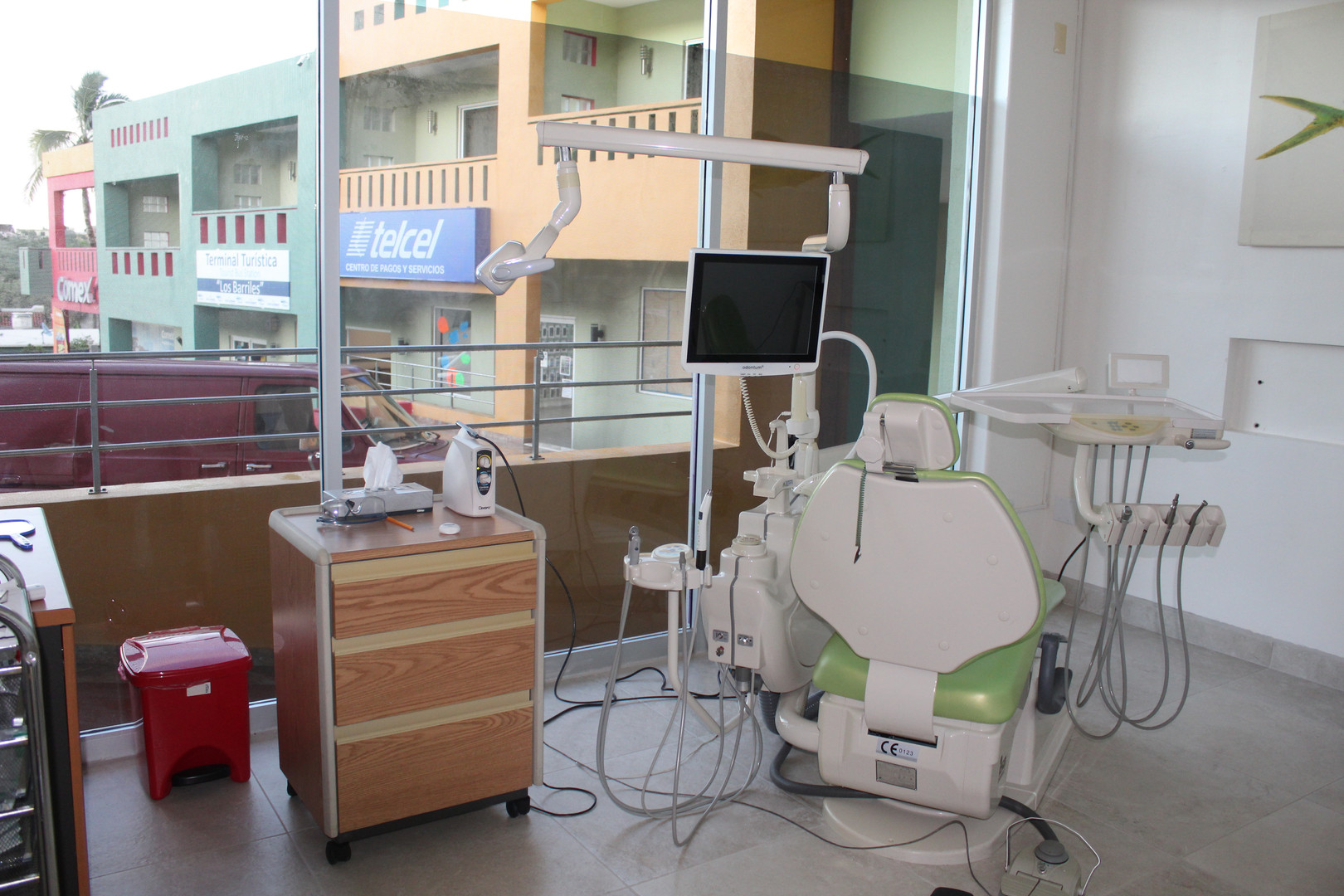 Dr. Samir Ganelon's dental room