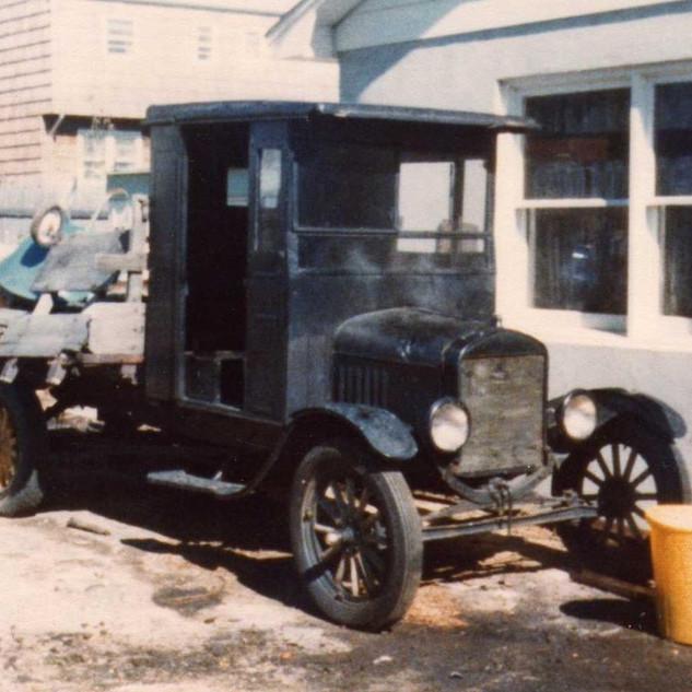1-  1922 Model TT Truck #3060.jpg