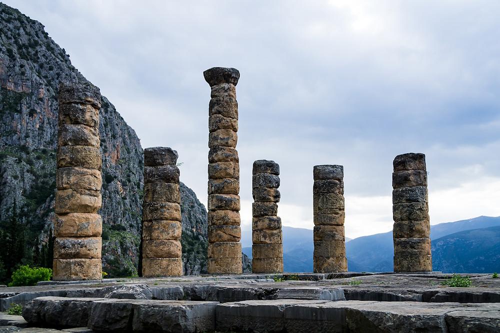 Jahrtausende liegen zwischen den vagen Prophezeiungen aus Griechenland und heutigen wissenschaftlichen Zukunftsprognosen - und doch lassen sich einige Parallelen ziehen und auf unsere Arbeit übertragen.
