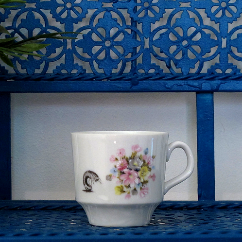Tasse Maggot and Flowers 2