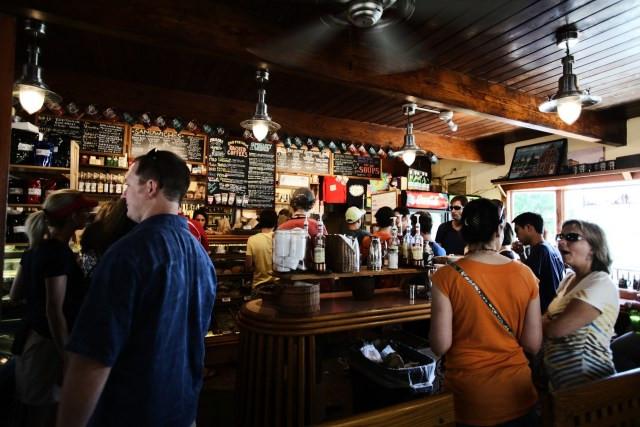 Dados mostram crescimento de 3,2% da receita de bares e restaurantes em 2019 (Imagem: Divulgação)