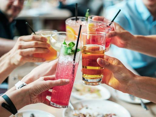 Mixologia: use cerveja na preparação de drinques nesse verão