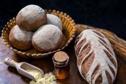 Pão feito com cerveja e café