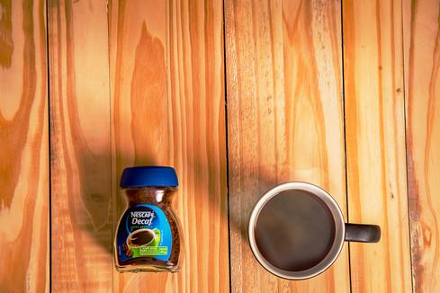 cafe sobre madera.jpg