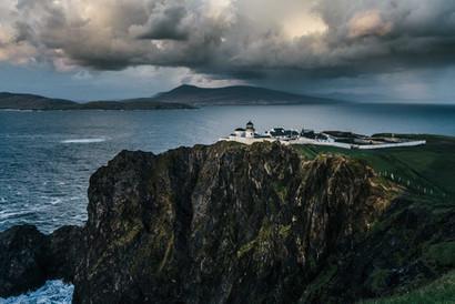 Clare-Island-Lighthouse-Mayo_master.jpg
