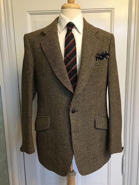 Dunn_&_Co._jacket_in_Harris_Tweed.jpg