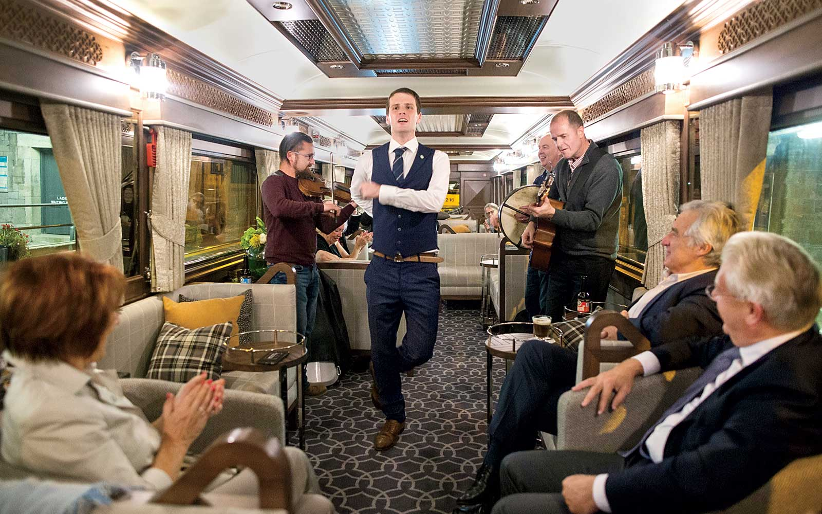 irish-jig-belmond-grand-hibernian-train-BUCKETTRAIN1117