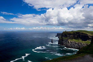 cliffs-of-moher-4207875_1920.jpg