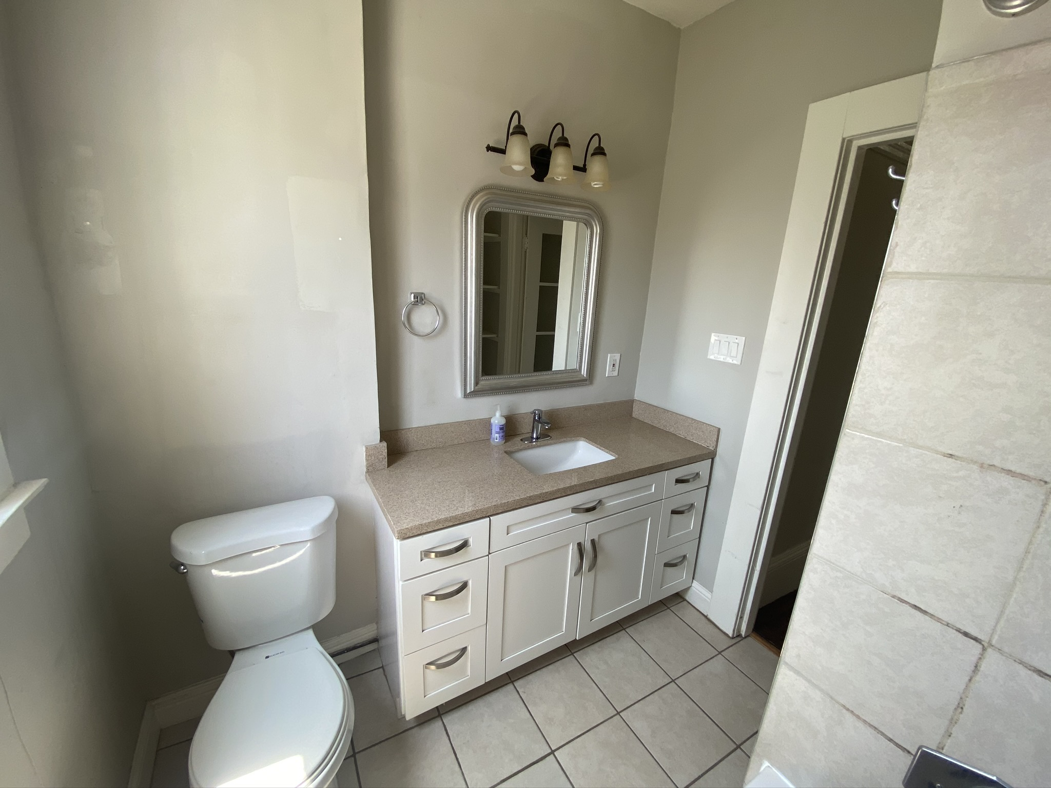 1360.11 Bathroom 1