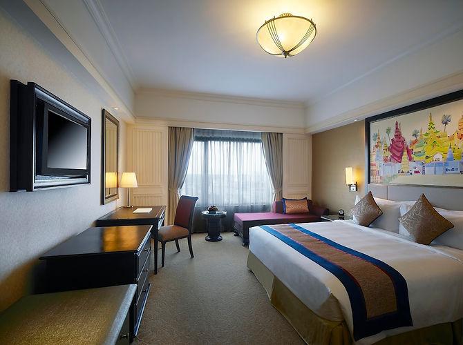 Sule Shangri La Yangon hotel superior room