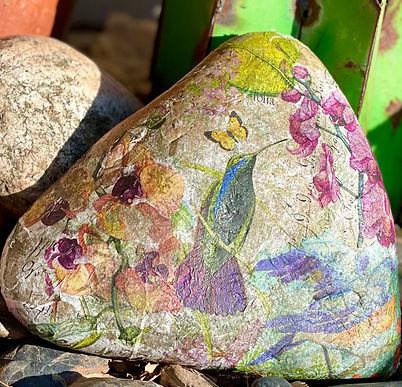 hummingbirdrock 3.jpeg