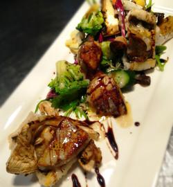 穴子とフォアグラ、カナダ産白松茸のサラダ