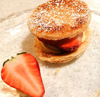 フレッシュ苺とカスタードクリームのミルフィーユ