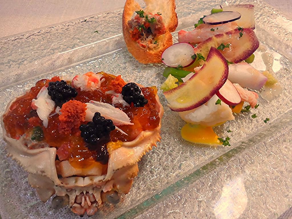 香箱蟹と野菜のタルタル コンソメジュレがけ サラダ仕立て