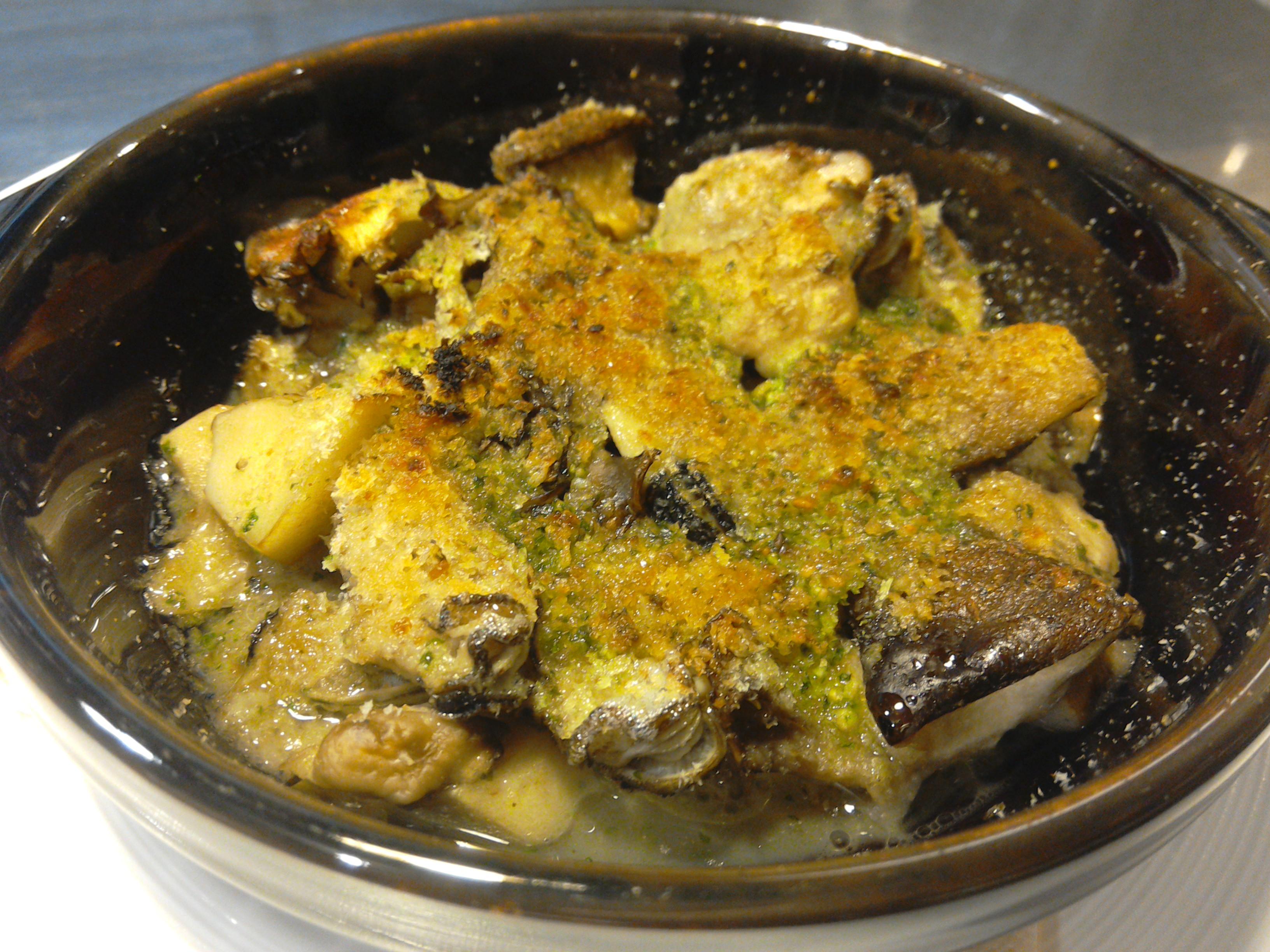 兵庫県産一年牡蠣の香草パン粉焼き