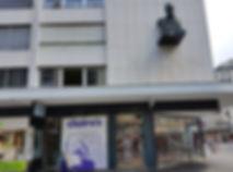 cabinet_entrée_claire_statue.jpg