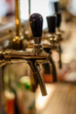 pub-1701696_1920.jpg
