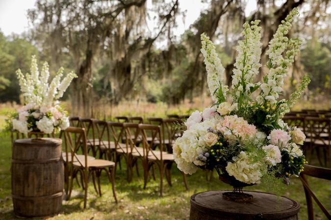 Real Wedding | Morgan + Brian // White Dog Plantation Wedding Flowers