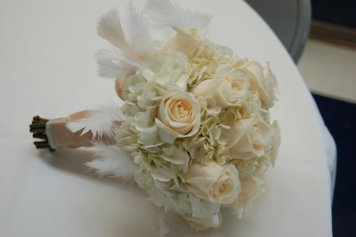 White+Feathers,+Roses++Hydrangea+2010.JPG