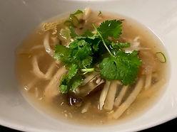 Soupe de poulet aux champignons noirs.jp