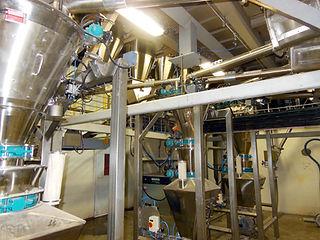 Impianto serbatoio di pesatura e dosaggio ingredienti