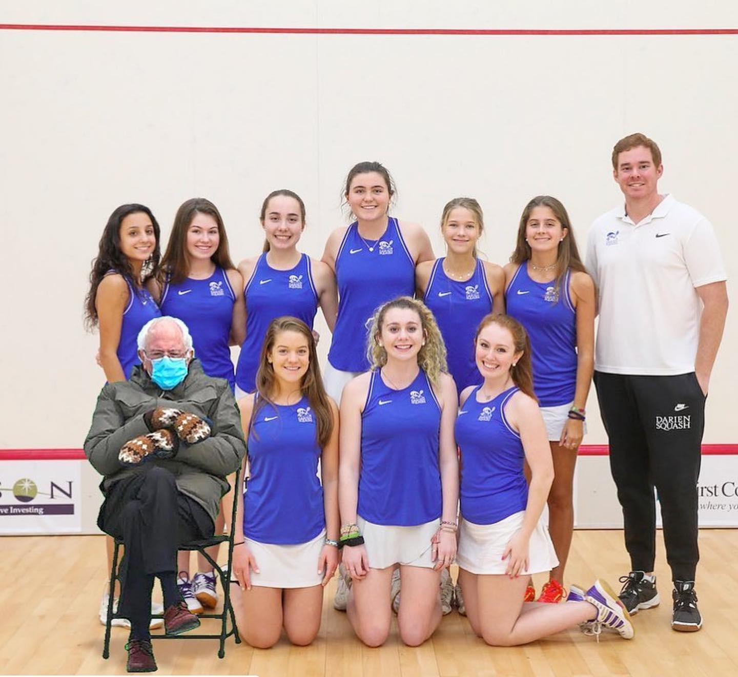Darien Girls Varsity Squash team and Ber