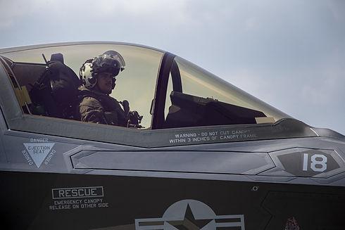 F-35 Cockpit from LCpl Karis Mattingly.j