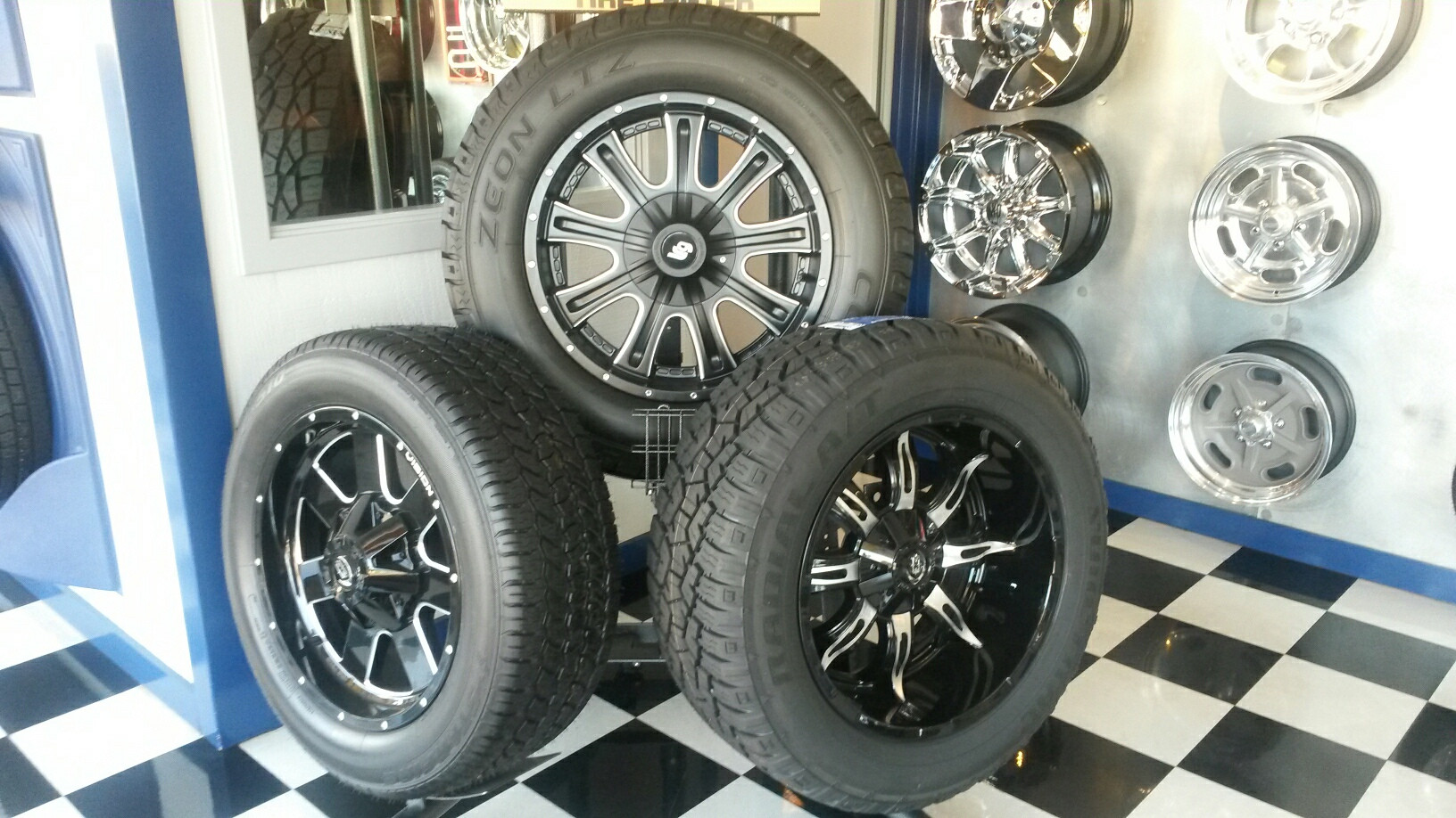 Tire and wheel display